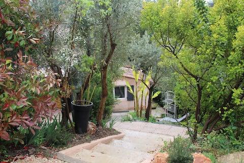 Logement dans les pins 35m2 avec extérieur