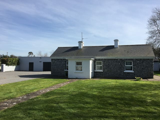 Newtowndarcy Traditional Cottage - Galway - Chatka