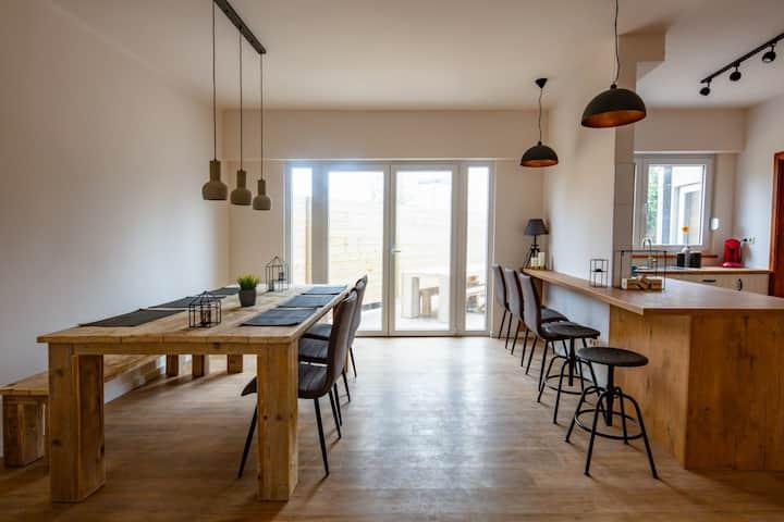Big Baron Holiday Home Bruges – free parking