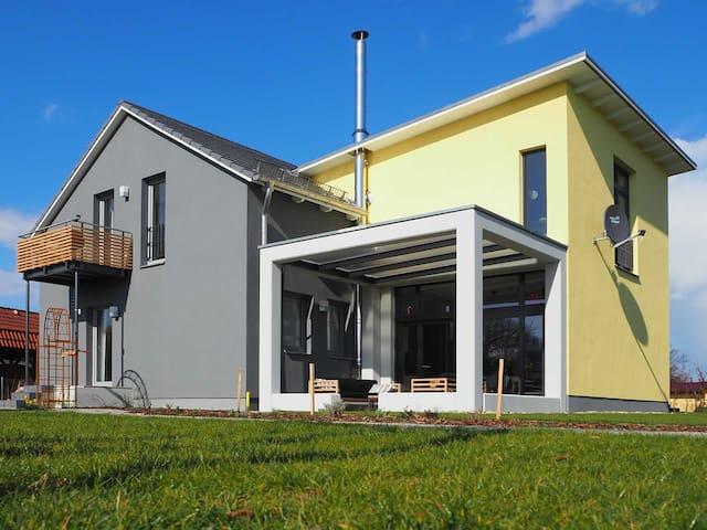 Architektenhaus mit 2 Wohnungen - Zingst - Talo