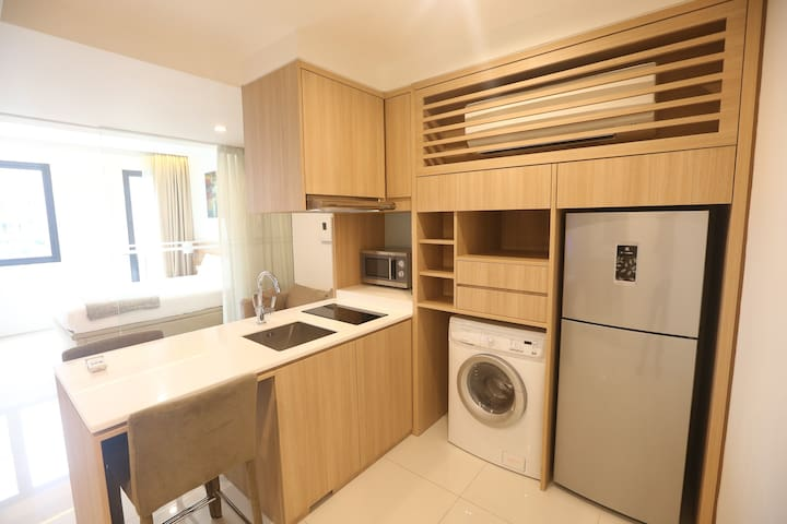 Luxury Serviced Suite At City Fringe B04
