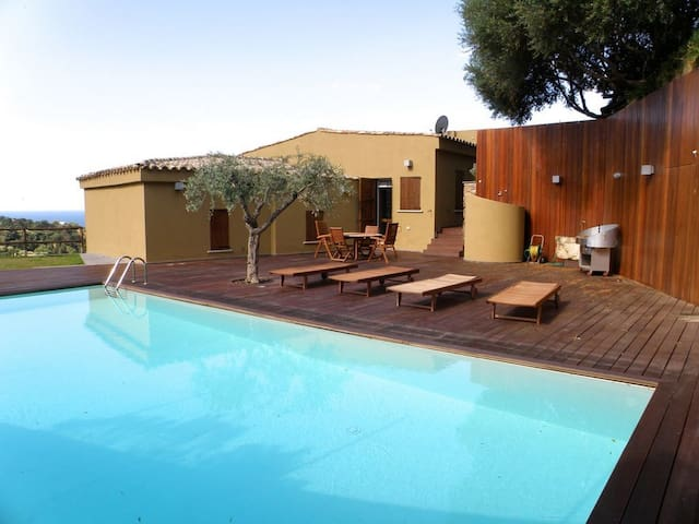 Fabulous villa with pool and breathtaking views - Torre Delle Stelle (Maracalagonis) - 別荘