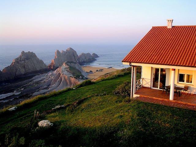 Aprt. Dúplex sobre la playa Arnia (10p)-El Mirador