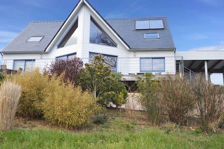 Traumhafte Villa mit Meerblick , top Ausstattung - クロゾン