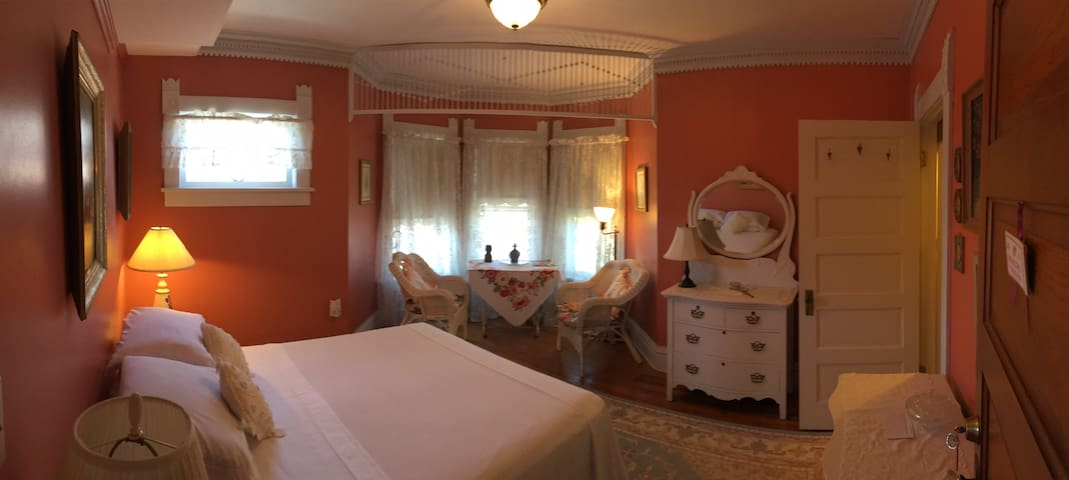 My Fair Lady Bed and Breakfast - Crisfield