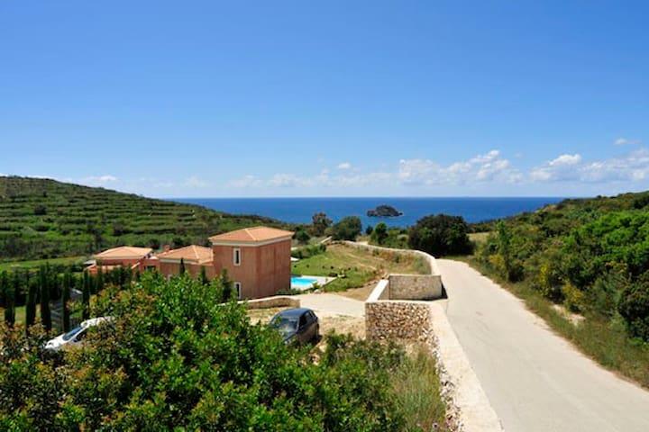 Villas by the sea  in Kefalonia - Klismata - Villa