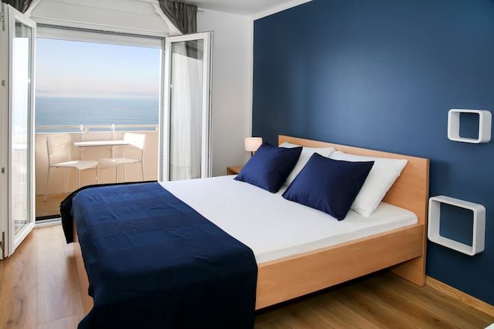 Beach room Split - Podstrana - Bed & Breakfast