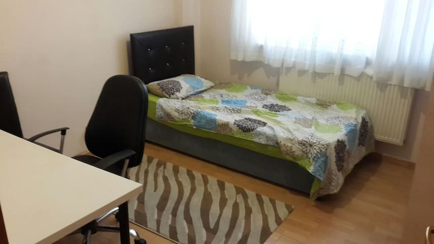 Cheap and clean flat in the middle of Istanbul
