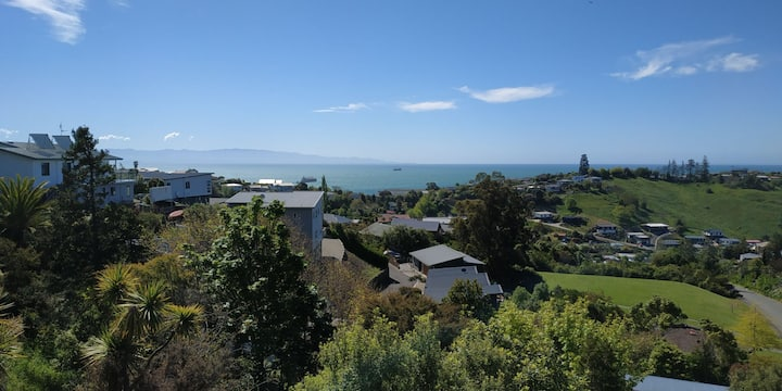Panoramic views of Tasman Bay