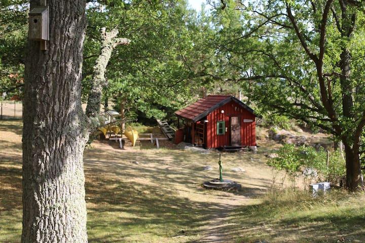 Sauna gästhus, kajak och kanadensare finns att nyttja