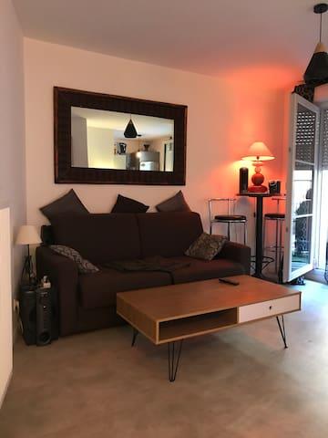 Joli Studio cosy avec terrasse proche aéroport CDG