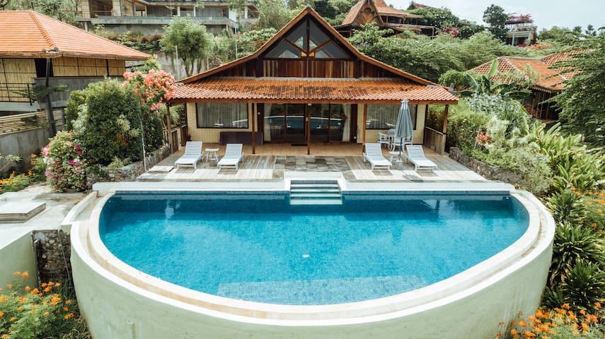 Villa Ayu