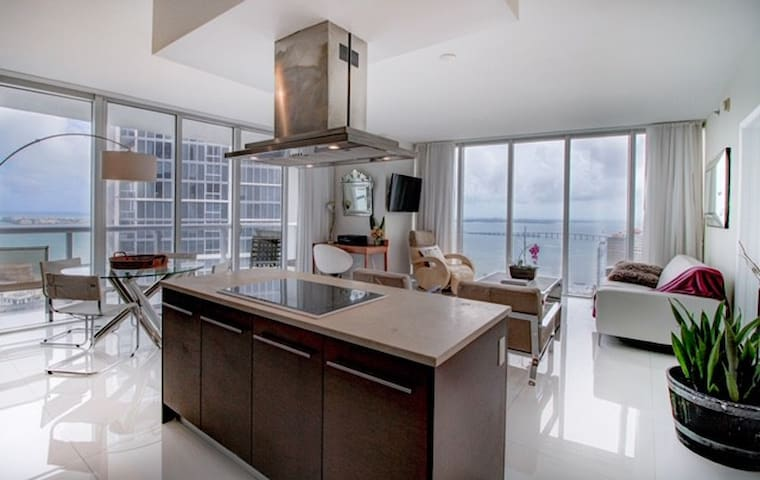 3Beds/2Bathroom VIP water view/Lux Zen Living