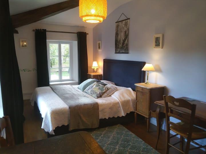 Chambre tout confort au Logis de Vallans