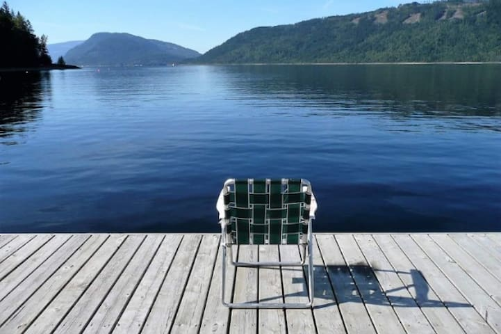 Shuswap Lake Waterfront Home For Rent.