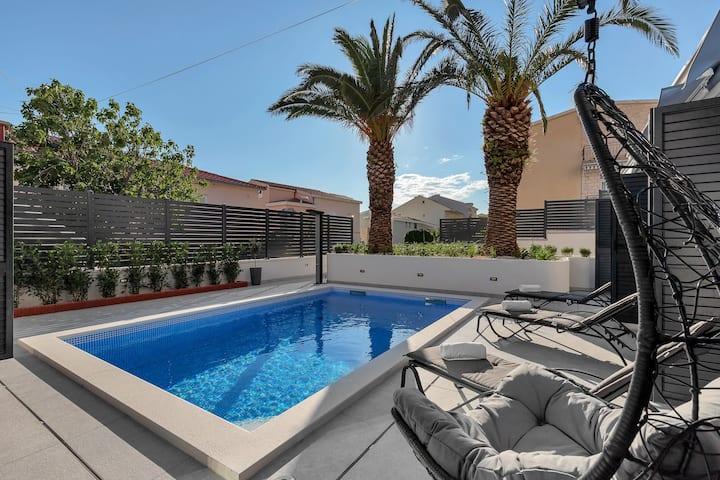 Lulani Pool Apartment
