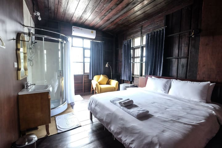 Snooze Antique Suite Korat
