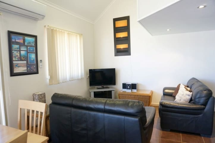 Osprey Holiday Village Unit 113/2 Bedroom - Cosy apartment ideal for small family