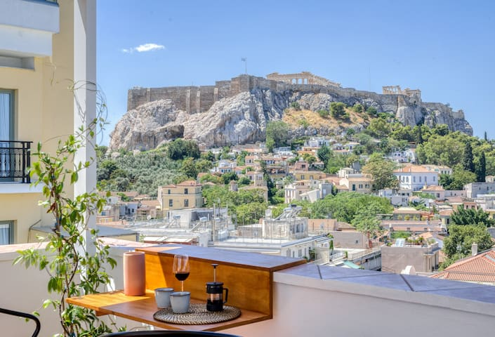 Acropolis stunning view Penthouse in Plaka for 2!