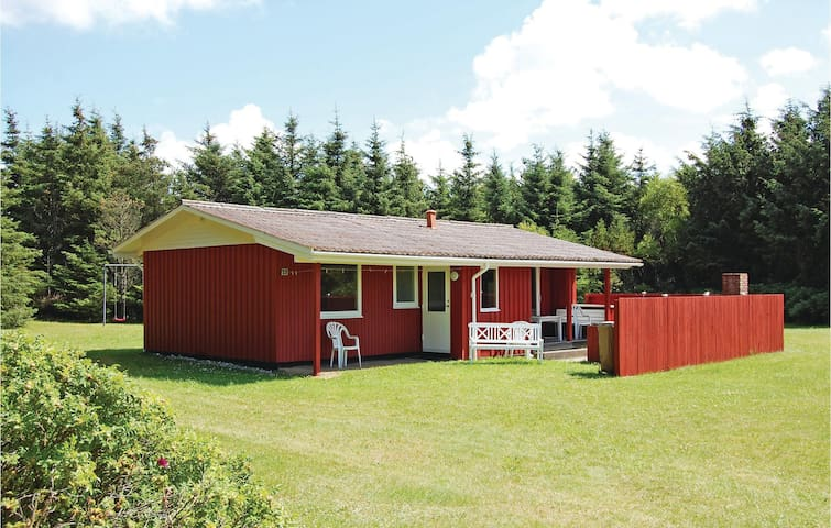 Holiday cottage with 2 bedrooms on 65m² in Løkken