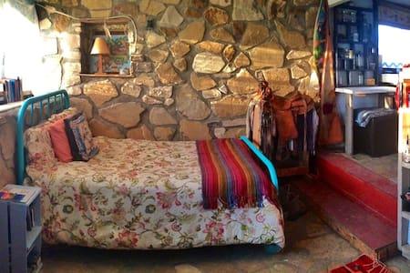 Stone Cottage at La Loma Del Chivo - Marathon
