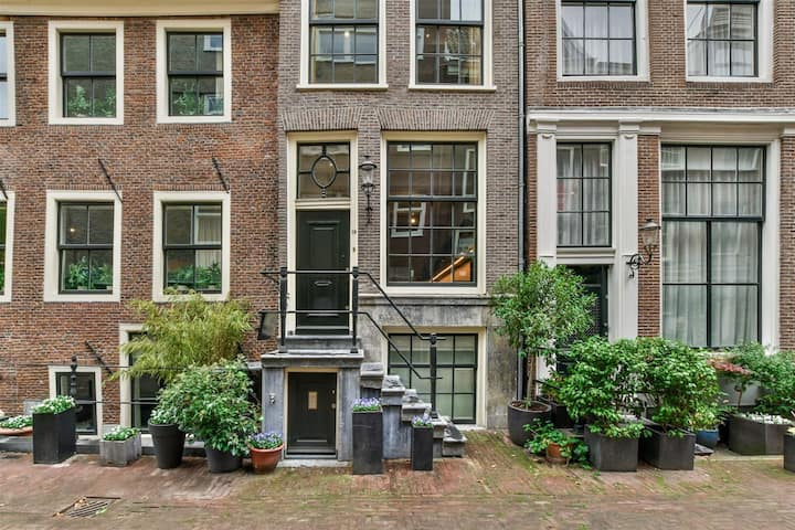 Luxury Townhouse in the Heart of Amsterdam