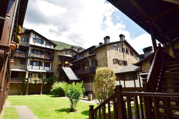 Pleta tipica Andorrana HUT 5729