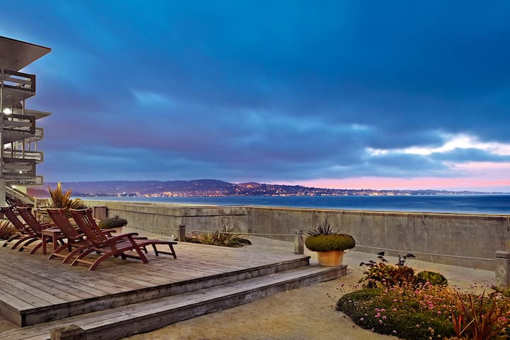 Monterey Tides, Partial Ocean View King