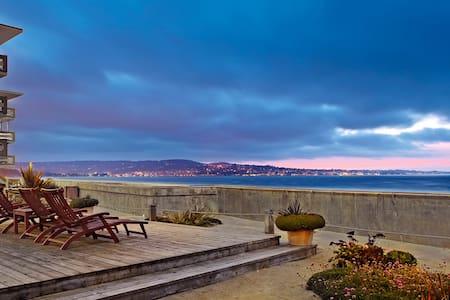 Monterey Tides, Partial Ocean View King