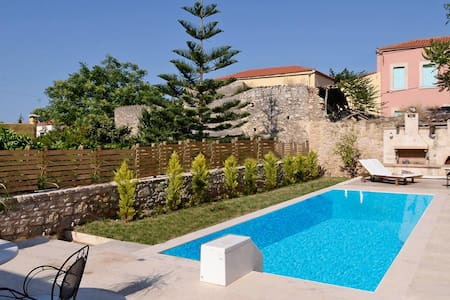 Classy Villa with 3 bedrooms and private pool - Archanes