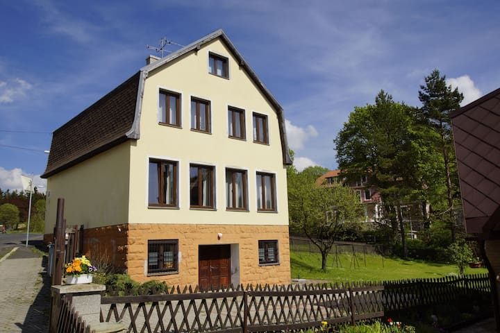 Charming Holiday Home in Pernink with Garden