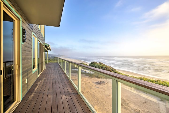 Oceanfront Home w/ Hot Tub+Sauna, 8 Mi. to Newport