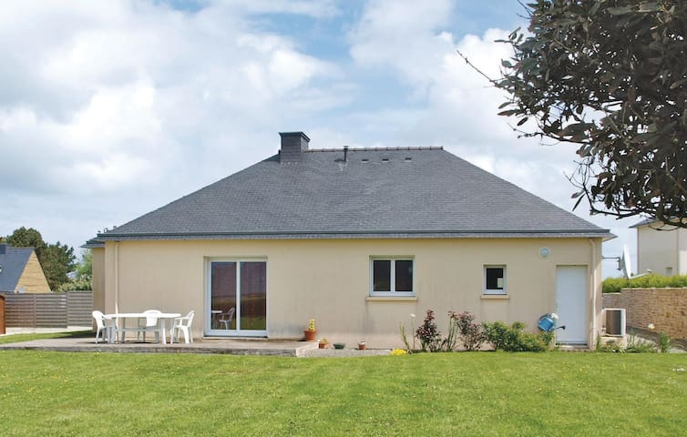 Awesome home in Landeda with WiFi and 2 Bedrooms