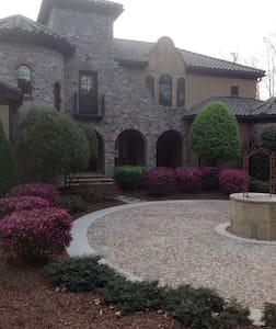 Tuscan style villa - lakefront - Dům