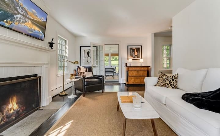 Adorable, fully renovated house in Litchfield, CT!