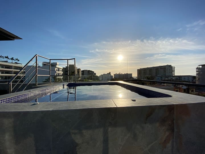 Romantic Zone A/C Rooftop/Pool Balcony WIFI Apt#5