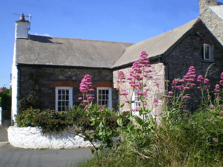 Cosy, character Welsh cottage