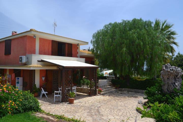 Geräumige, kinderfreundliche Villa in Modica