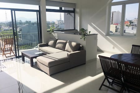 ★PANDORA★ Large 2 BR Apartment 8 min walk to beach