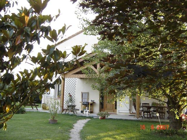 Belle Toulousaine à la campagne - Eaunes - House