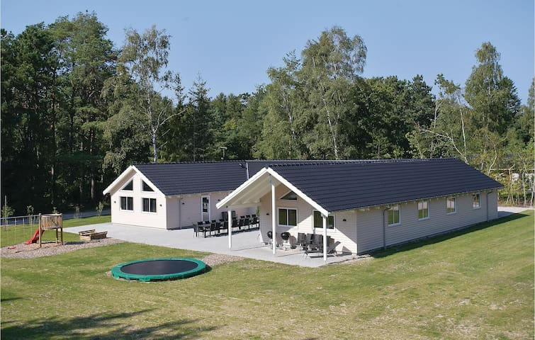 Holiday cottage with 9 bedrooms on 308m² in Frederiksværk