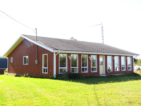 Grandview Cottage, 3brm  bunk room, 10km to S'side