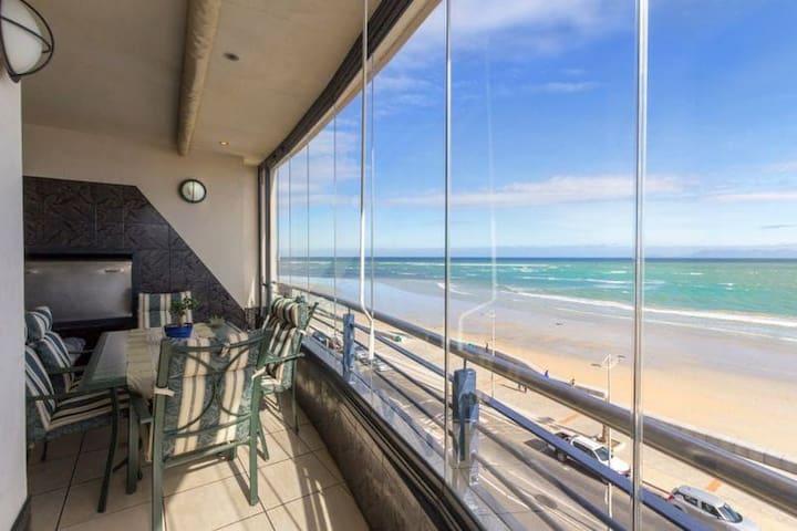 4th Floor Penthouse on the Beach u-g parking