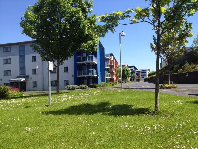The Grove - 3 Bed Ensuite Apt close to Sligo Town