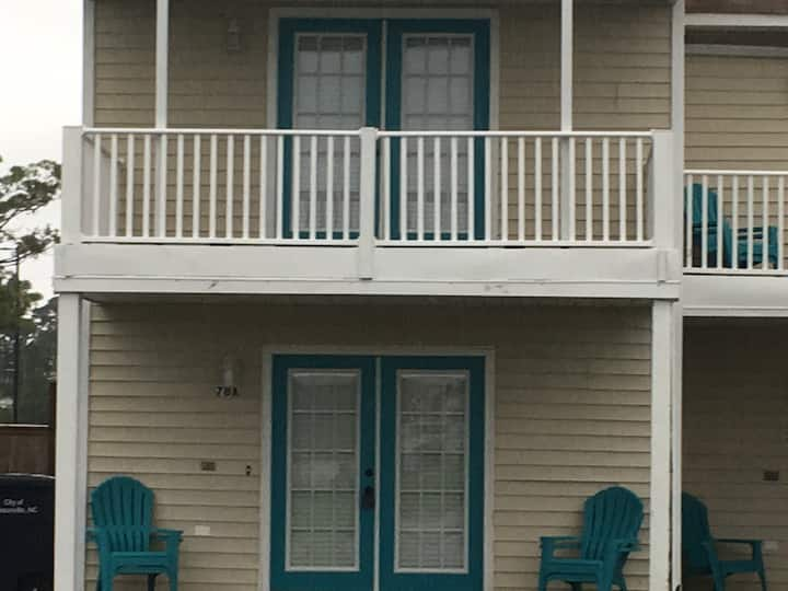 Charming Shoreline Townhouse A