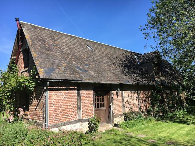 Beaumont-le-Hareng : jolie maison typique au calme