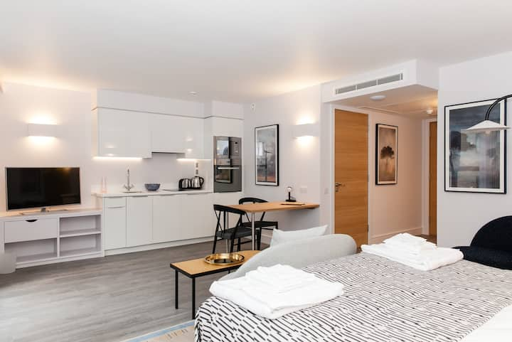 Studio Apartment - Tower Bridge/ Aldgate