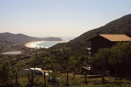 Casa Luz Silveira - vista para o mar.