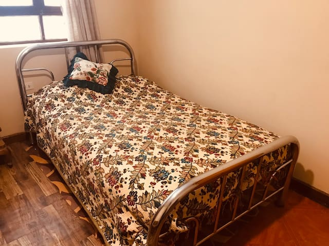 Comfortable room downtown