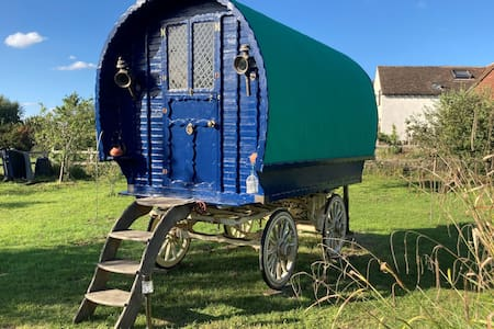 Gypsy Living - Experience a Genuine Bow Top Wagon
